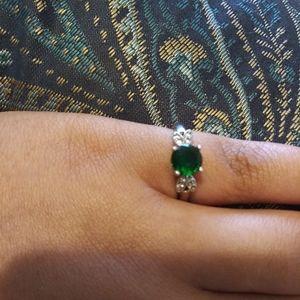 Cute emerald green fairy ring